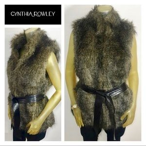 CYNTHIA ROWLEY Faux Fur Vest Coat L HOST PICK